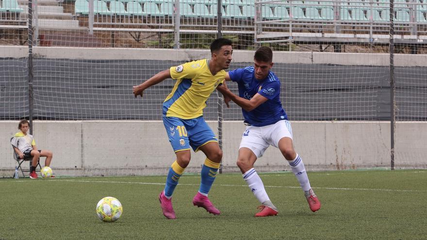 Acción del encuentro que enfrentó a los amarillos frente al filial del Real Oviedo