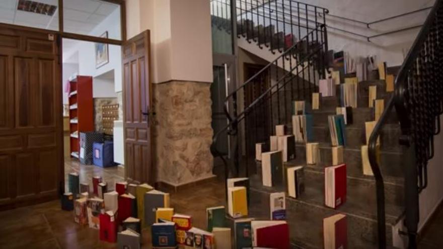 Captura del vídeo 'Cultura Inquieta' de homenaje a la Biblioteca de Mota del Cuervo