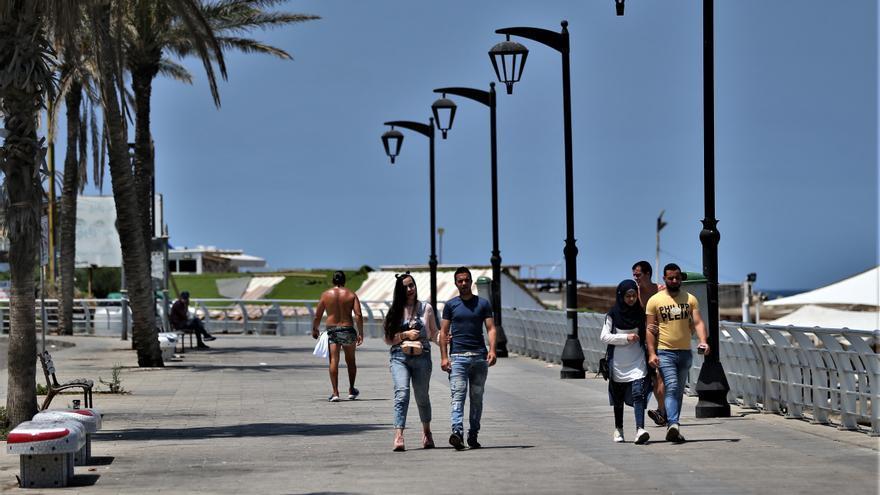 Líbano, capital de la fiesta en el mundo árabe, cierra sus bares por COVID-19