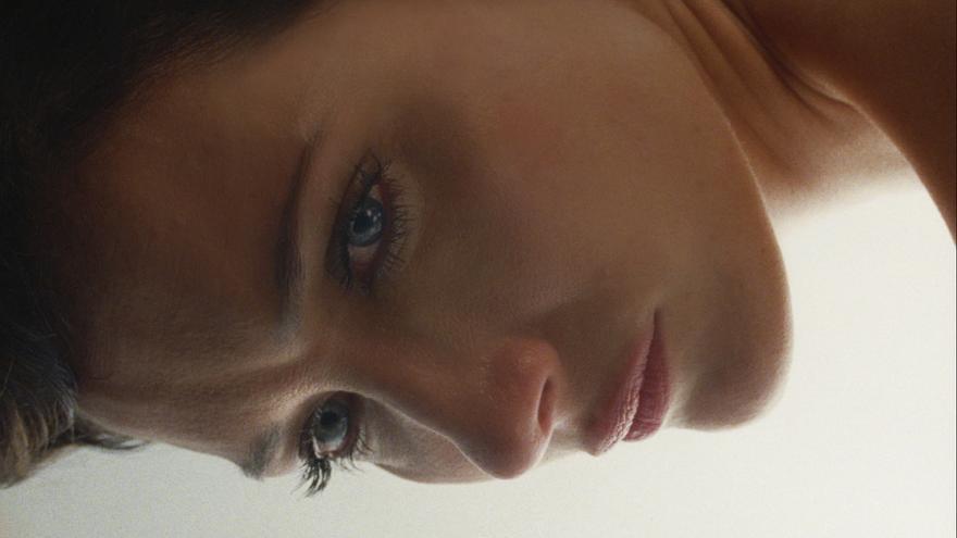 C:\fakepath\Ana Asensio en Most Beautiful Island.jpg