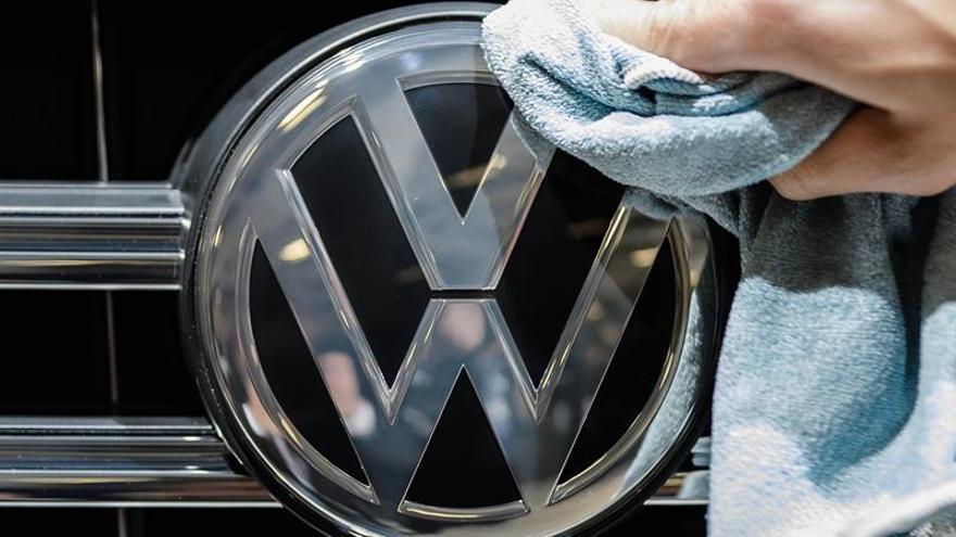 Afectados españoles por VW se unen en Alemania a otros perjudicados