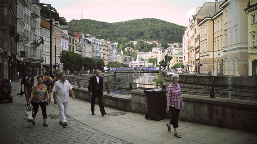 Karlovy Vary reestrena el primer Óscar eslovaco, un alegato contra el nazismo