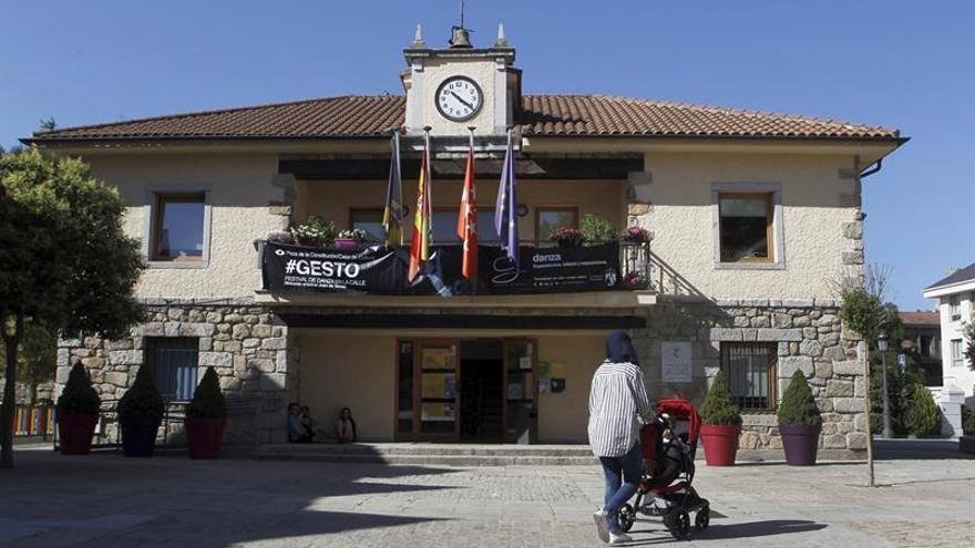 Un concejal del PP intentó chantajear a la alcaldesa de Torrelodones