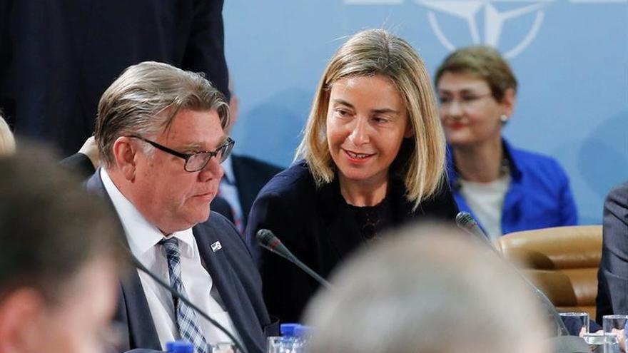 Mogherini se reúne con la oposición siria para preparar la próxima ronda de negociaciones
