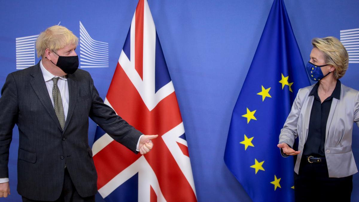 La presidenta de la Comisión Europea, Ursula von der Leyen, recibe al primer ministro británico, Boris Johnson, el 9 de diciembre de 2020 en Bruselas para una cita clave sobre Brexit.