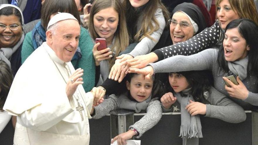 El Papa se acerca a las mujeres