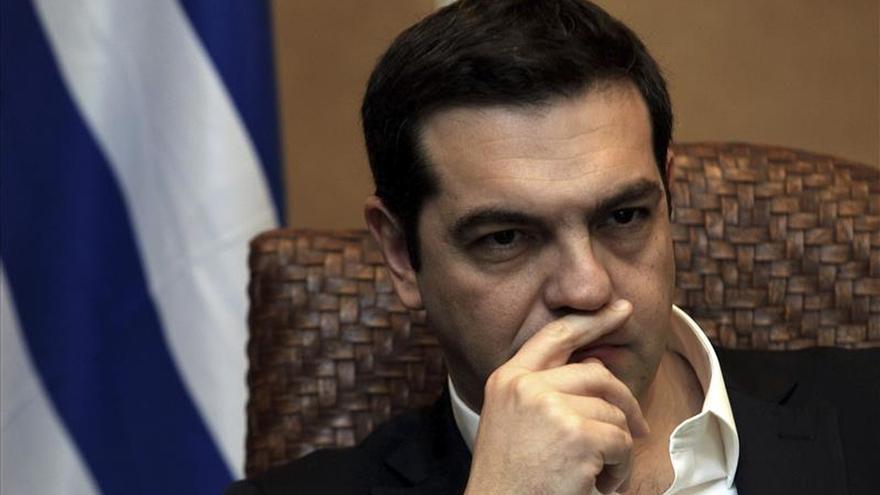El gobierno griego pospone una ley con medidas sociales por presión de los acreedores