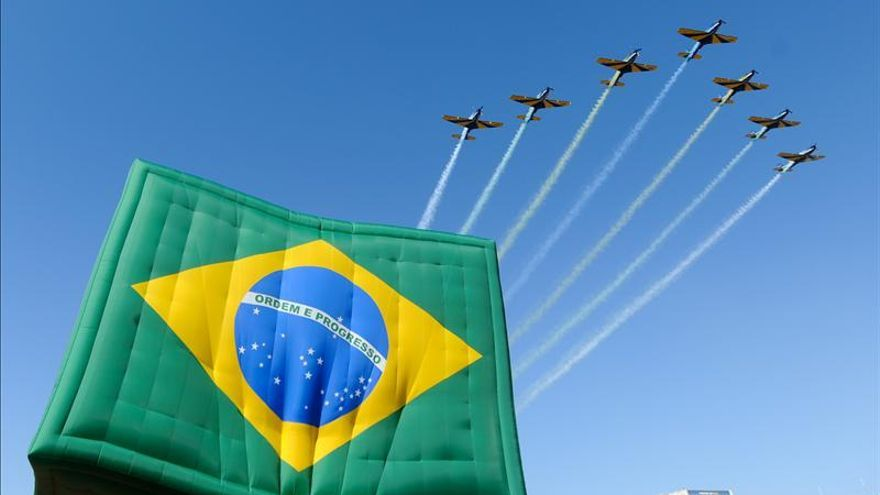 Brasil destaca integración durante mayor ensayo militar aéreo del continente