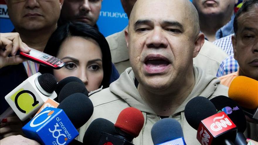 La oposición venezolana descarta pedir la cabeza de Maduro si gana las parlamentarias
