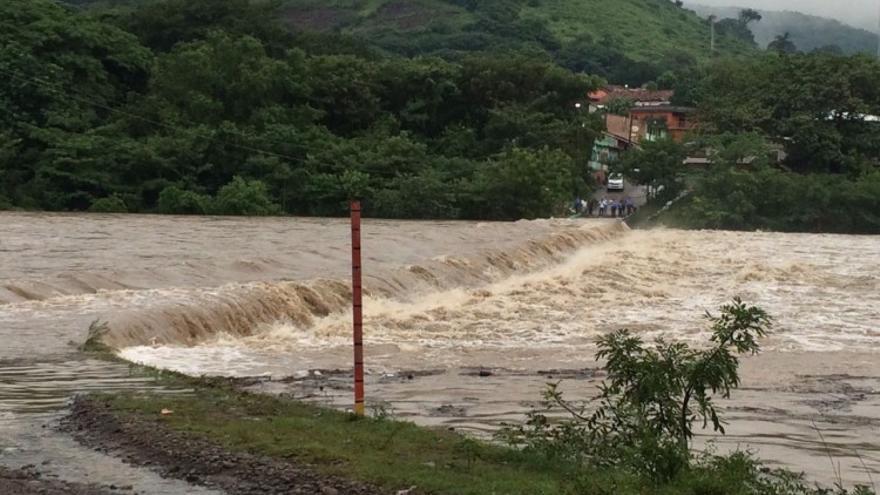 Alerta roja por lluvias en Choluteca, Honduras, 2016.
