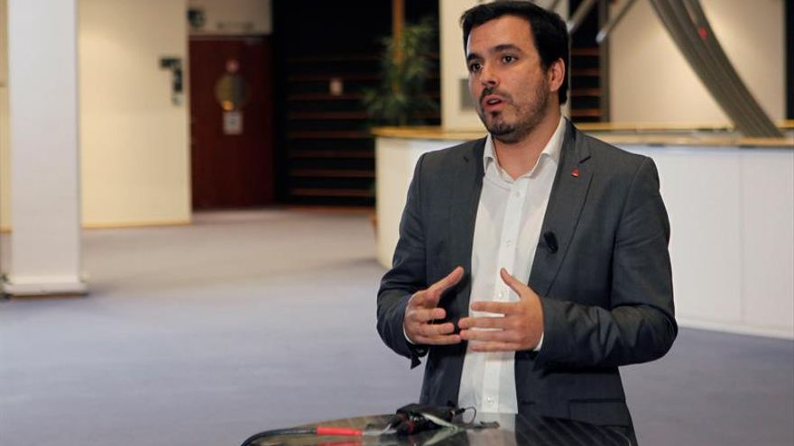Garzón (IU) ve inexplicable que PSOE haya cedido ante PP con acuerdo del CGPJ
