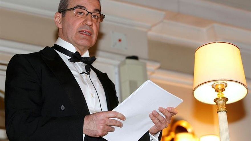 Feliciano Barrios, Premio Nacional de Historia