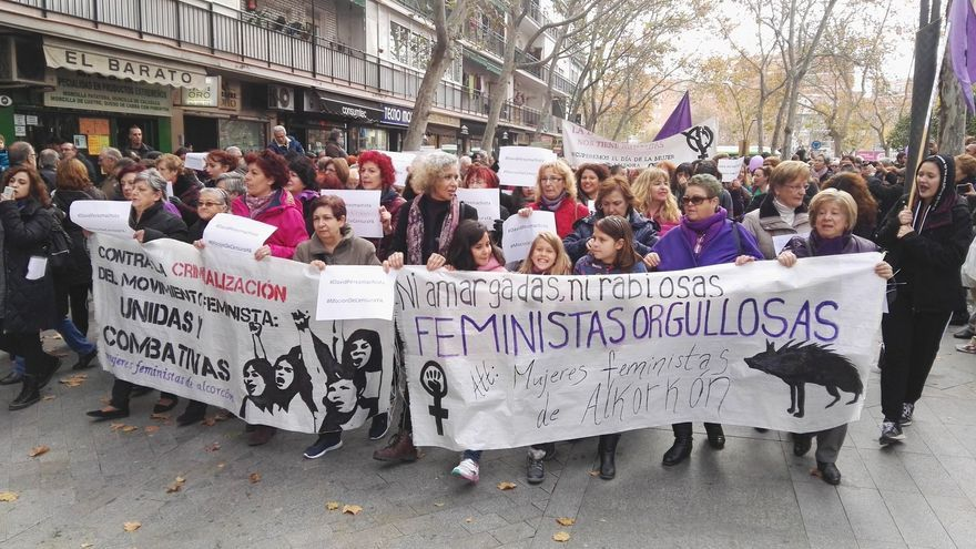 Manifestación feminista contra el alcalde de Alcorcón y diputado de la Asamblea de Madrid, David Pérez. Foto: STÉPHANE M. GRUESO