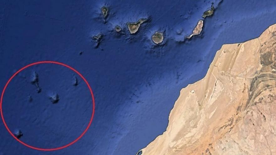 En rojo, archipiélago submarino donde se encuentra el monte Tropic