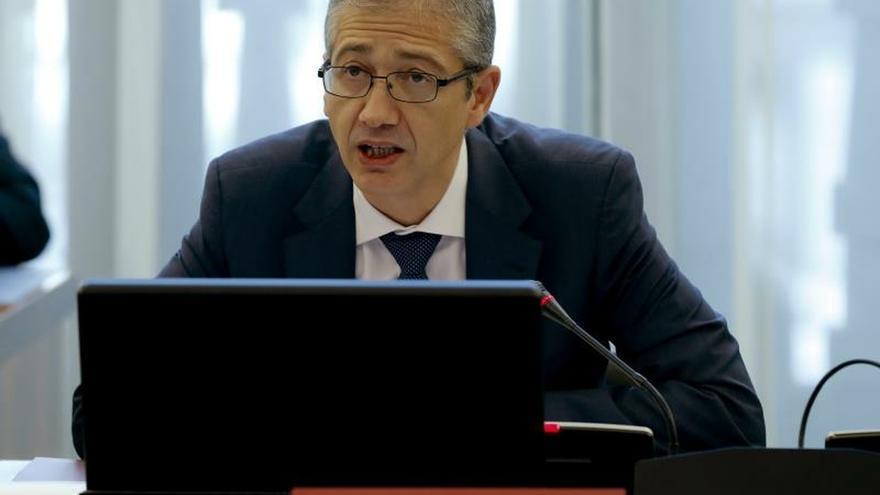 Hernández de Cos advierte a los bancos de riesgos por criptomonedas estables