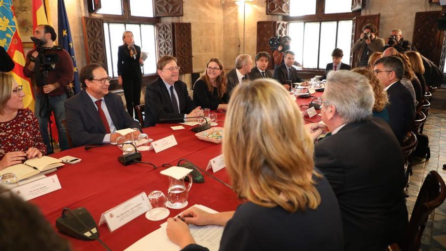 Un momento de la reunión de la comisión bilateral entre el Gobierno y la Generalitat Valenciana