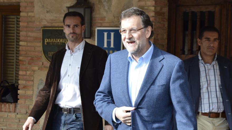 """Rajoy termina la reunión de la cúpula del PP centrada en economía y las europeas pero sin """"avances"""" en el candidato"""