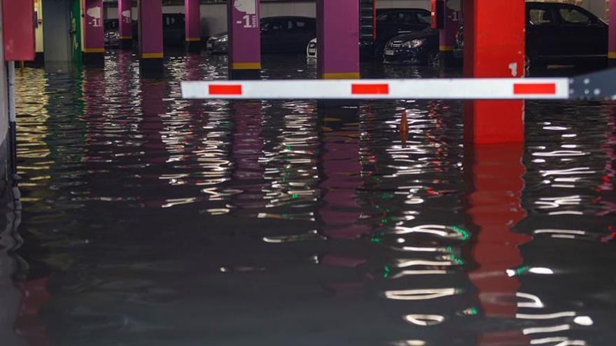 Lluvias provocan más de 80 incidencias por inundaciones en Cádiz