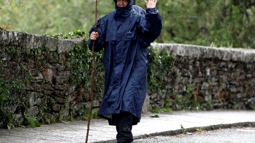 Ocho comunidades en alerta por lluvias, tormentas, olas o fuerte viento