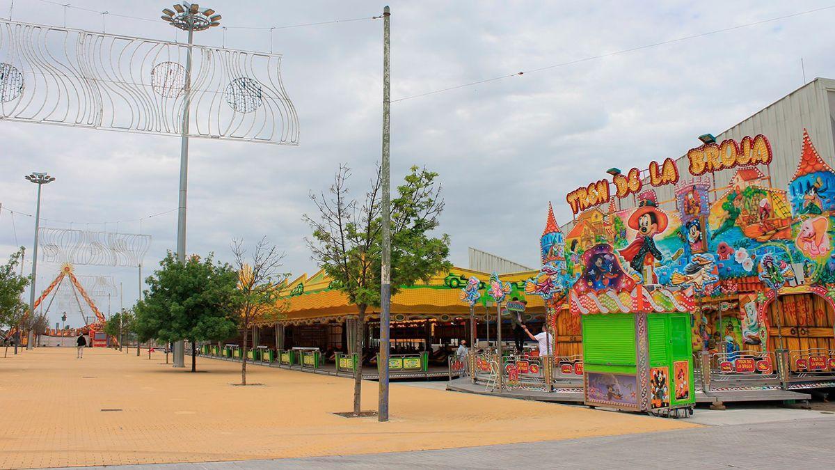 Montaje de la Feria de la Primavera 2021 de Lucena.