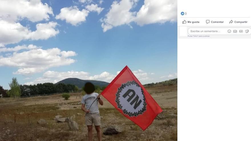 Bandera de Alianza Nacional en una de las imágenes que tiene publicada en colectivo en Facebook