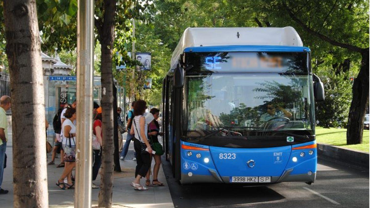 Un autobús de Servicio especial EMT Atocha | EMT
