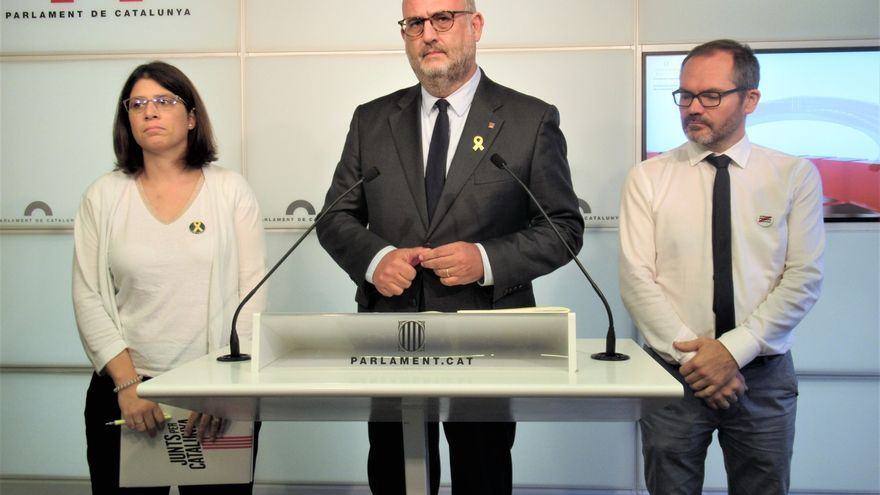 Los diputados de JxCat Gemma Geis, Eduard Pujol y Josep Costa