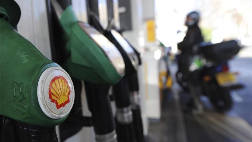 El beneficio de Shell baja el 87% en 2015 por la caída del precio del crudo