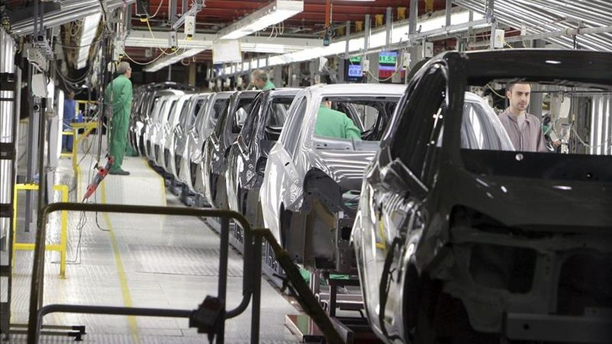 La producción industrial modera su crecimiento en agosto al 5 % interanual