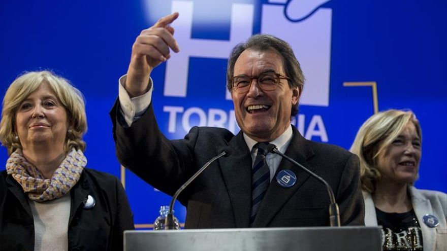 El Govern invita a su reunión de mañana a Mas, Ortega y Rigau por el 9N