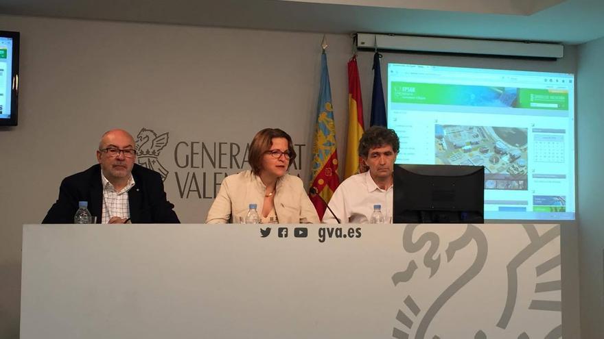 El conseller de Transparencia, Manuel Alcaraz (izquierda), y la consellera de Medio Ambiente, Elena Cebrián