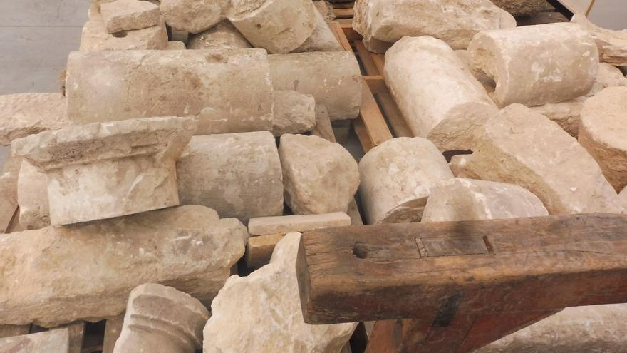 Fragments de les columnes trobades a Ontinyent