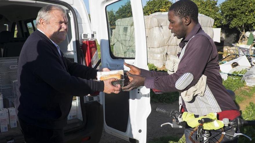 Hostelero cumple una década dando cena de Nochebuena gratis a inmigrantes