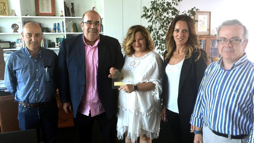 Oria felicita a 'Conservas Ana María' por su primer premio en la 'Cata de la Anchoa 2016'