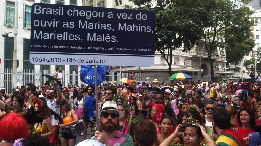 Manifestantes denuncian la muerte de Marielle Franco en Brasil.