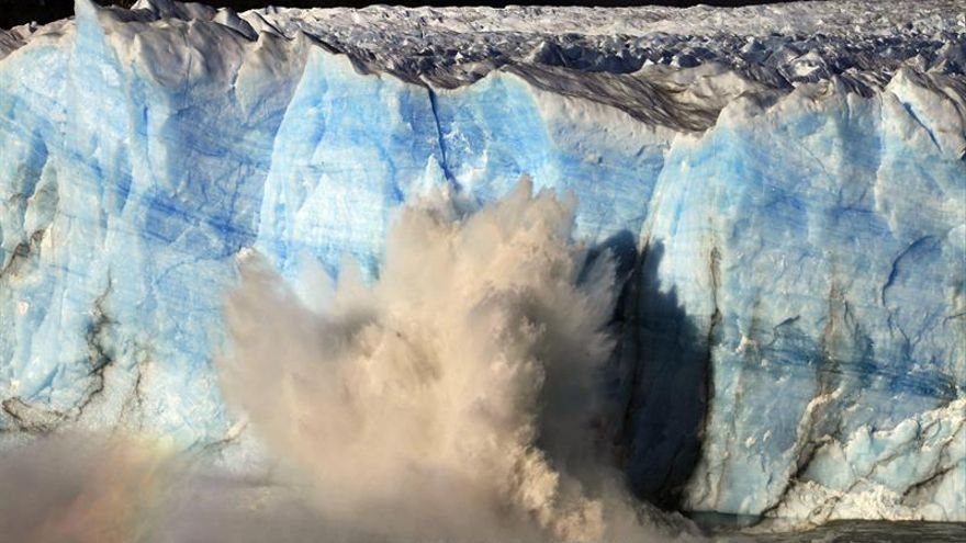 Niños se visten de superhéroes para pedir que protejan glaciares argentinos