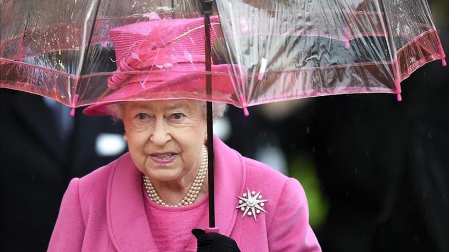 Christies subastará un collar de perlas que fue de Isabel II