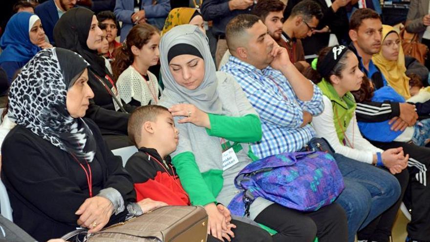 """La CE ve """"viable"""" cumplir con los plazos del programa de reubicación de refugiados"""