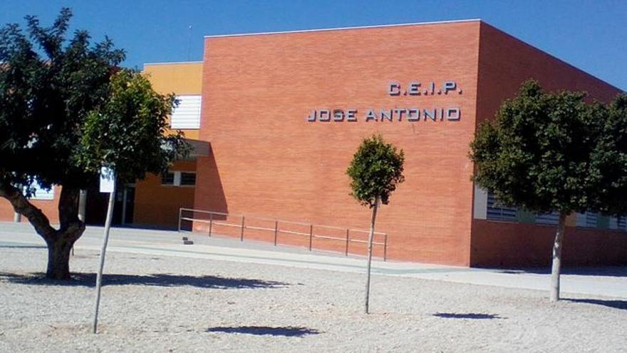 Colegio José Antonio en Fuente Álamo, Murcia