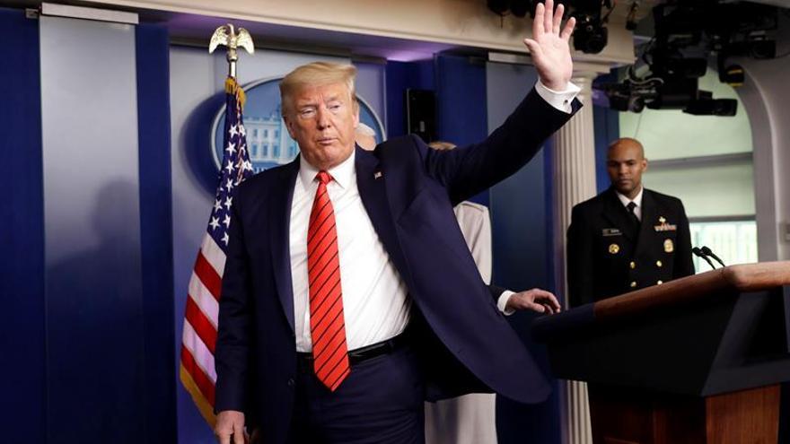 Trump presiona para usar medicamentos para la malaria y el ébola contra el COVID-19