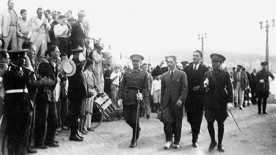 Una foto de Franco con Companys destaca en una nueva biografía del president