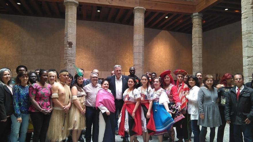 El Ayuntamiento recibe en el Palacio del Condestable al Foro de la Diversidad Cultural de Pamplona