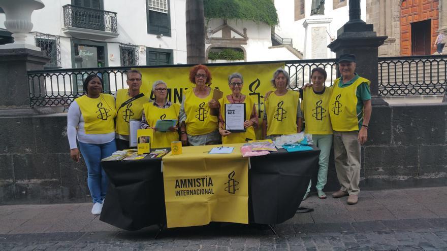Acción de calle de Amnistía Internacional celebrada este sábado. Foto: LUZ RODRÍGUEZ.