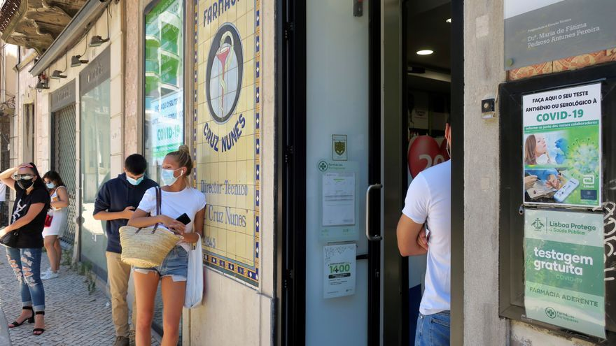 Disminuyen los hospitalizados en Portugal, que estabiliza los contagios