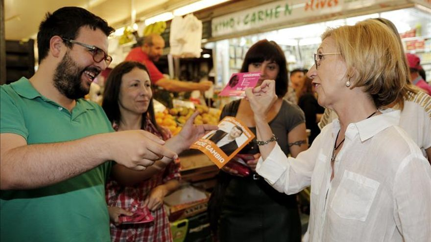 """Rosa Díez insiste en que UPyD es """"libre, no está en venta y no paga a traidores"""""""