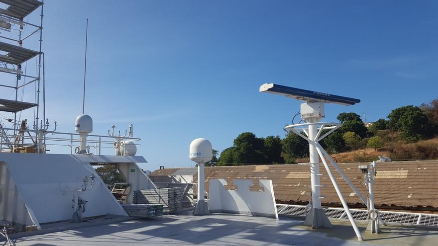 La flota autunera implanta el primer sistema de comunicación por vía satélite