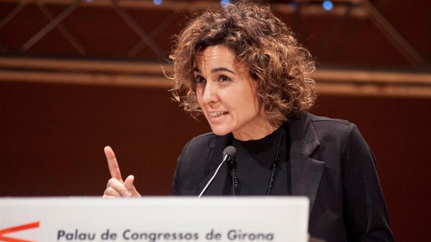 Montserrat pide romper barreras que impiden a las mujeres dirigir empresas