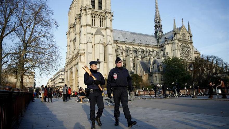 Los atentados de París refuerzan las cuentas oficiales francesas en Twitter