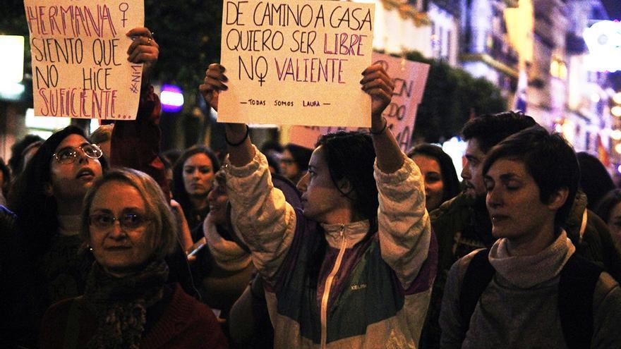 Manifestación 'Contra el fascismo' y en memoria de Laura Luelmo. | JUAN MIGUEL BAQUERO