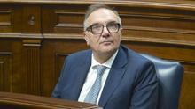 José Manuel Baltar, consejero canario de Sanidad, en el Parlamento regional